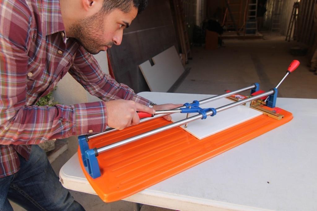 maquina cortadora de azulejos mesa para la cama. Black Bedroom Furniture Sets. Home Design Ideas