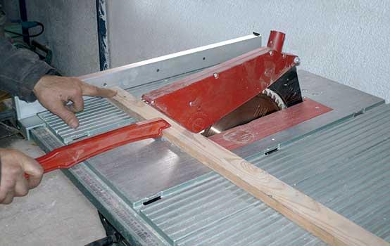 Alquiler de tronzadora de madera 315mm 230v for Maquina acuchillar parquet alquiler