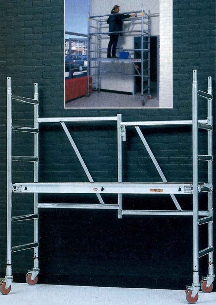 Alquiler-Torre de aluminio móvil 2,50x1,35m altura trabajo 14,20m