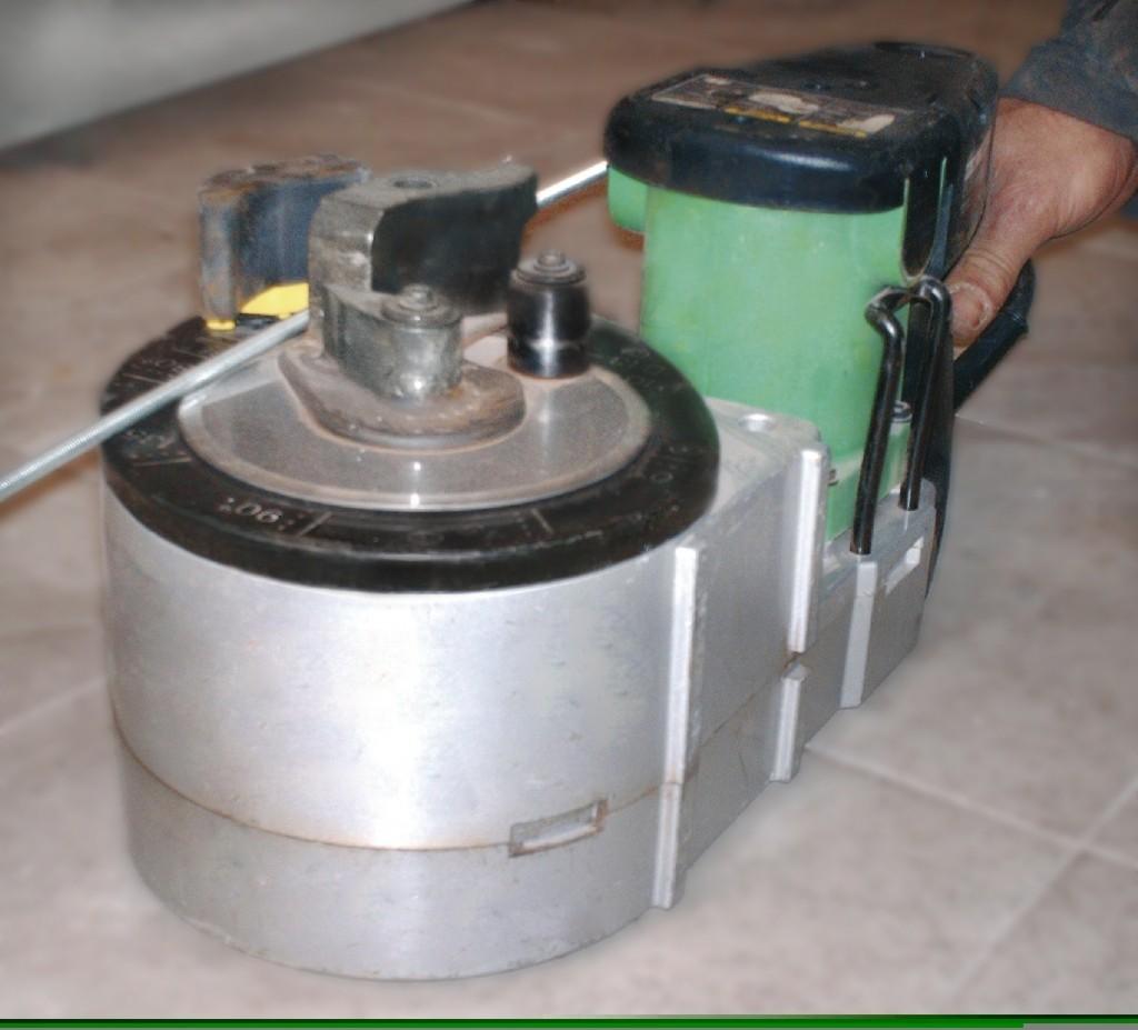Alquiler-Dobladora-Recortadora de varillas Ø10-13mm